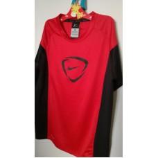 Červené sportovní tričko