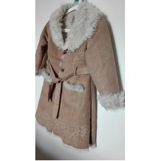 Dlouhý dívčí zimní kabát