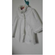 Bílý kabátek