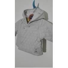 Kabátek prošívaný s kapucí na knoflíky