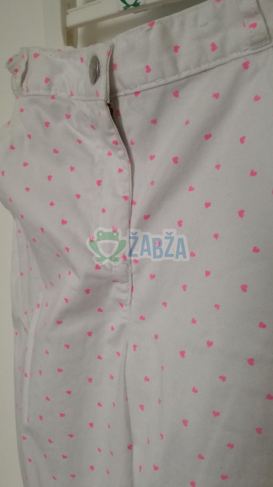Bílé kalhoty s růžovými srdíčky